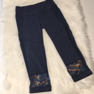 Calia by Carrie Underwood Navy Crop Pants Size S